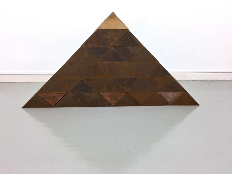 Sobre Triángulos, 1991