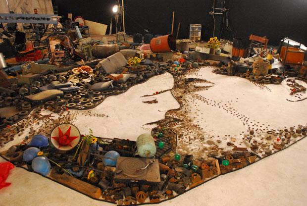 Obra de Vik Muniz con material reciclado