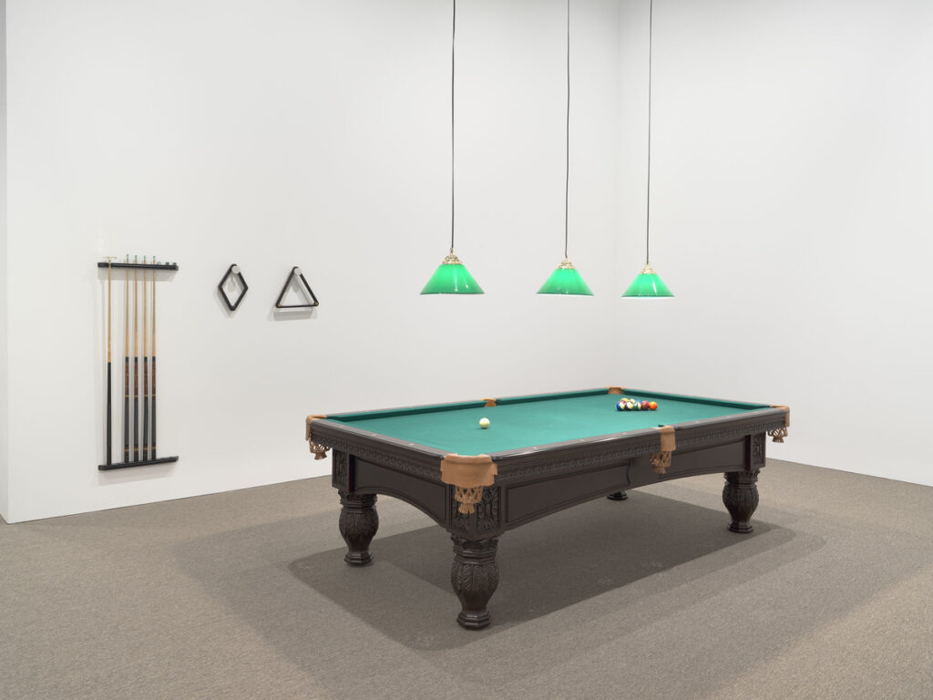 Vista de la exposición de Hélio Oiticica en el Whitney Museum of American Art